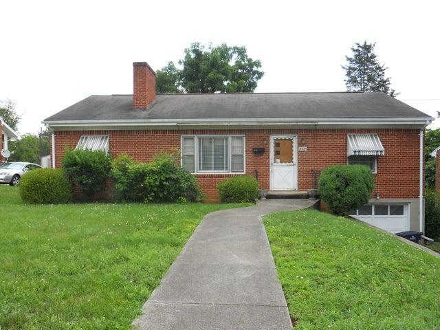 3521 Princeton CIR NE, Roanoke, VA 24012