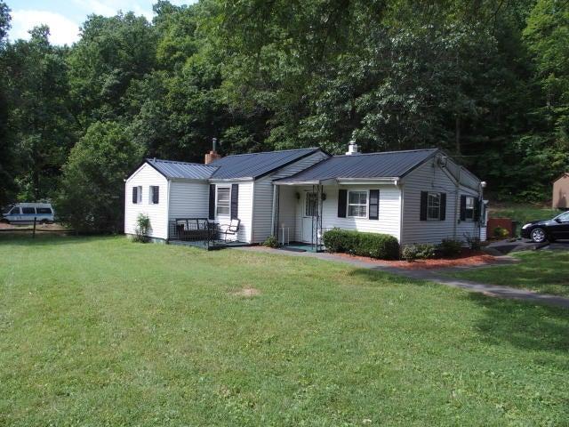 1718 WILDWOOD RD, Salem, VA 24153