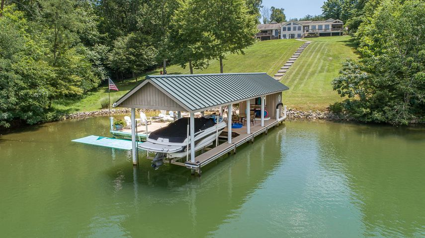 1245 Bremble Dr., Smith Mountain Lake waterfront estate on 8.93 acres