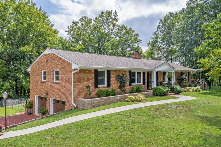 5957 Roselawn RD, Roanoke, VA 24018