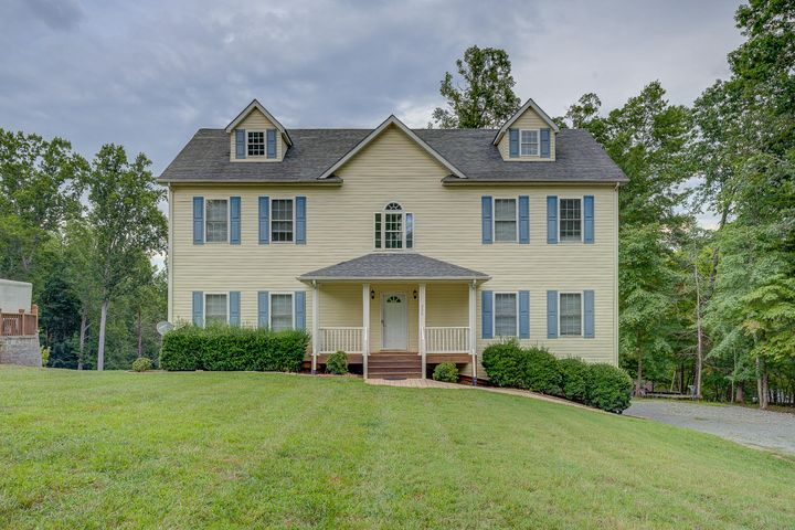 206 Lakewood DR, Moneta, VA 24121