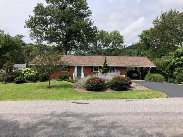 2221 Tannehill DR, Roanoke, VA 24018