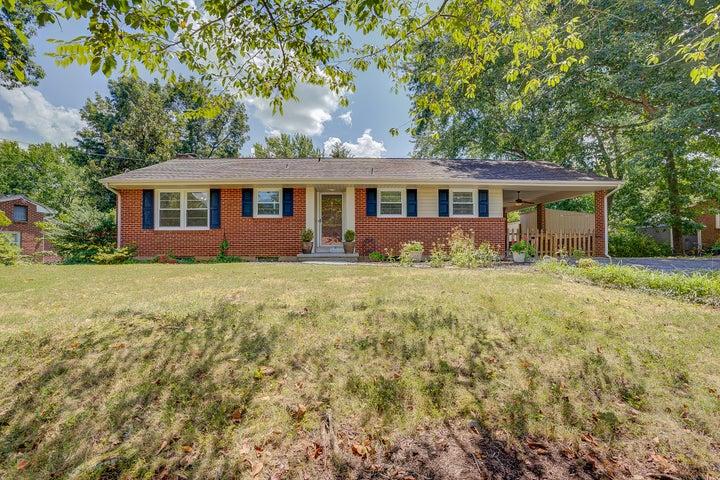 5462 Warwood DR, Roanoke, VA 24018