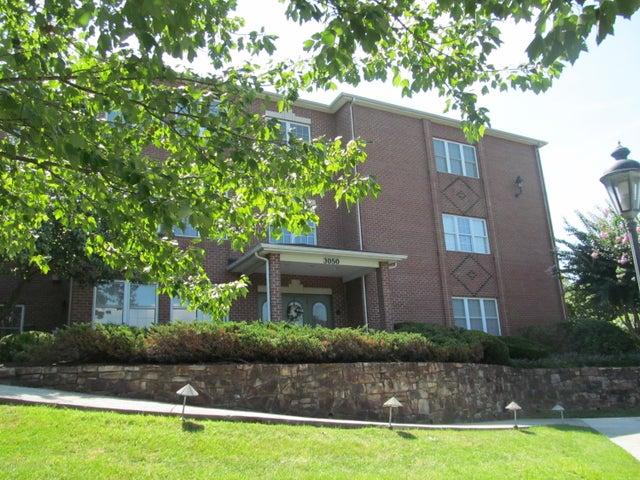 3050 Mcvitty Forest DR, 210, Roanoke, VA 24018