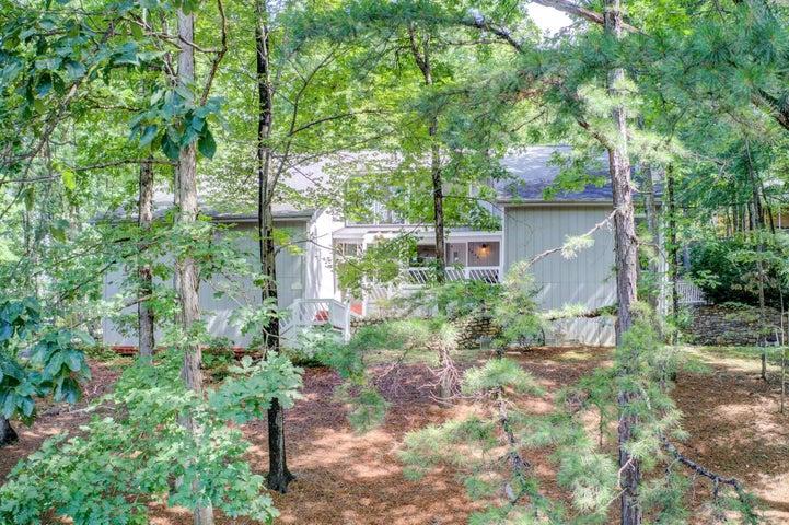 4946 Fawn Dell RD, Roanoke, VA 24018