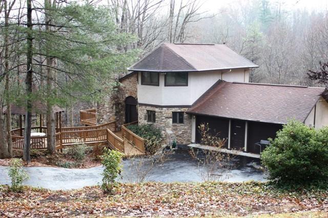 6926 Pine Needle DR, Boones Mill, VA 24065