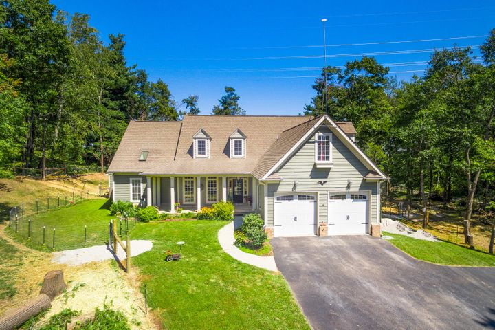 7805 Honeysuckle RD, Bent Mountain, VA 24059