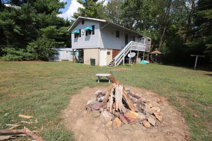 255 Meadows Of Craig W, New Castle, VA 24127