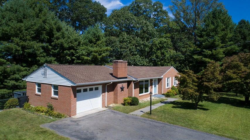 4379 Kirkwood DR, Roanoke, VA 24018
