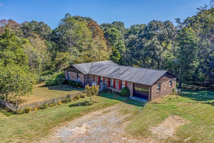 Country Home on 10 Acres