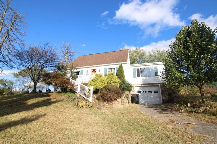 3837 Carson RD, Roanoke, VA 24012