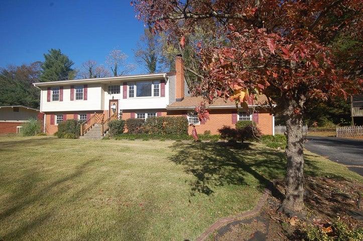 3409 South Park CIR, Roanoke, VA 24018