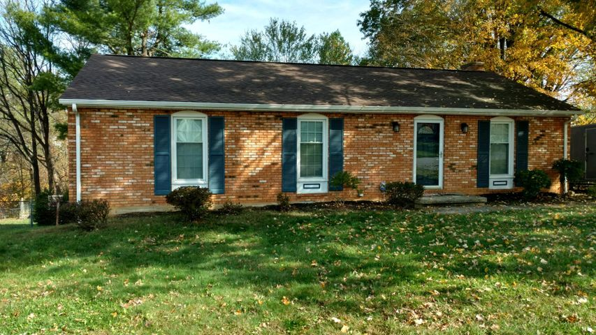 3719 Hyde Park DR, Roanoke, VA 24018