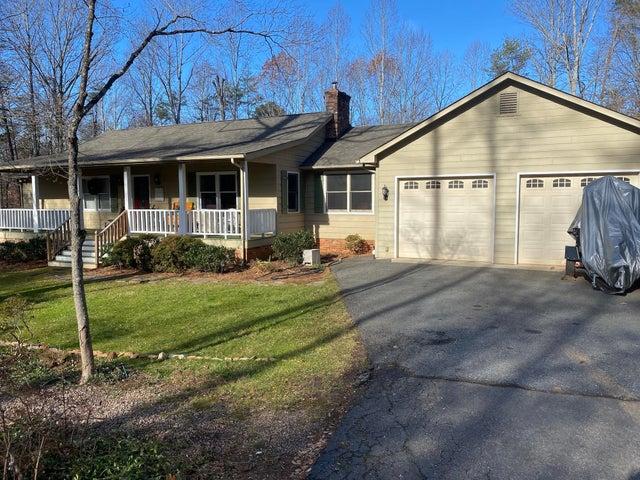 105 Summerwood LN, Forest, VA 24551