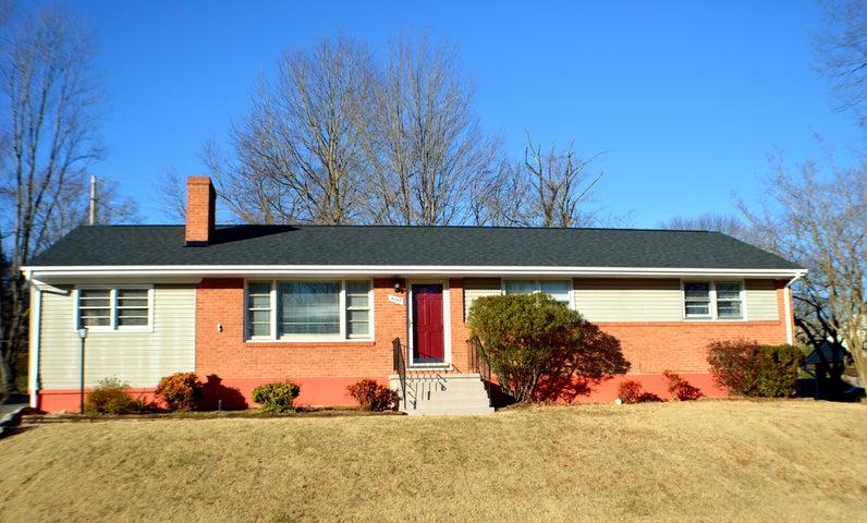 4349 Cresthill DR, Roanoke, VA 24018