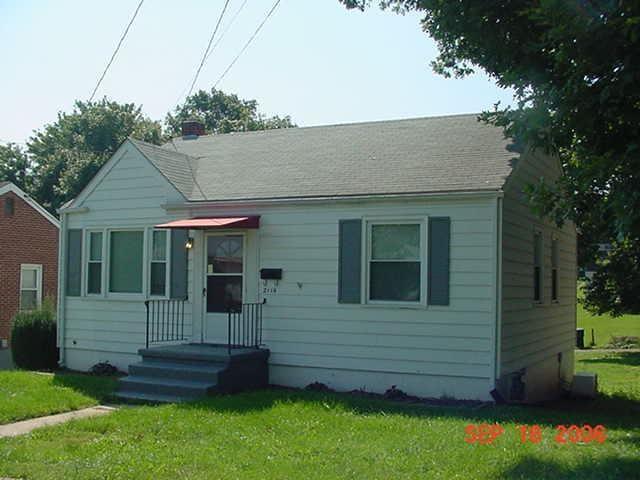 2116 Mountain View TER SW, Roanoke, VA 24015