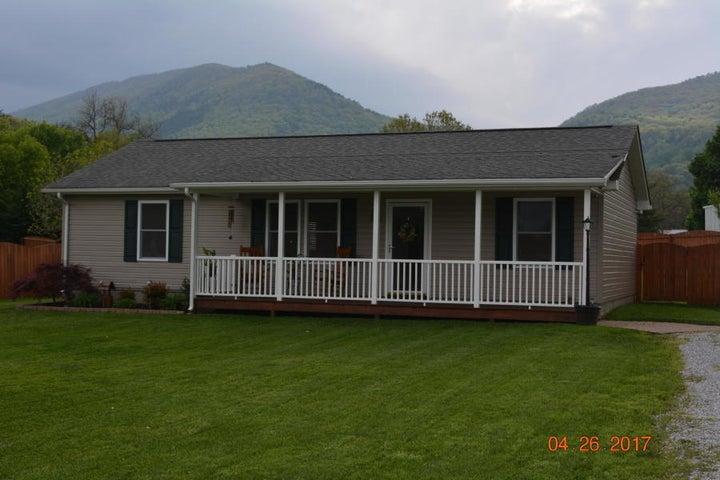 498 Boyd AVE, New Castle, VA 24127