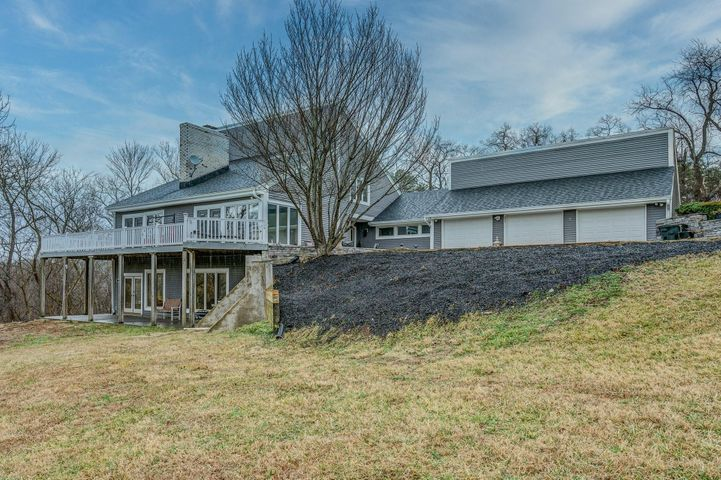 1670 Catawba RD, Troutville, VA 24175
