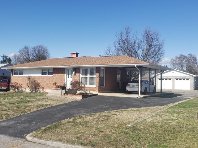 216 Maplelawn AVE NE, Roanoke, VA 24012