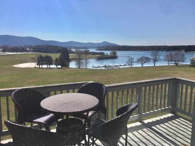 140 Sailors Cove DR, 1221, Moneta, VA 24121