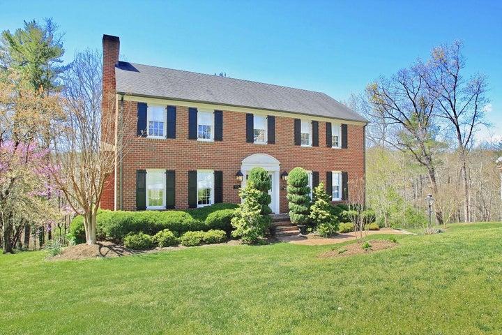 5036 Woodmont DR, Roanoke, VA 24018