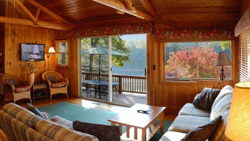 Charming Cedar Cabin with Smith Mountain Views