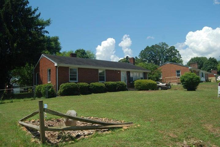 7010 Brookview RD, Roanoke, VA 24019