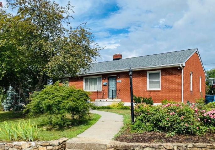 2389 Howard RD SW, Roanoke, VA 24015