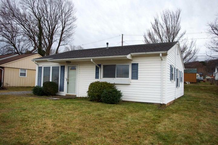 1426 Cloyd ST, Salem, VA 24153