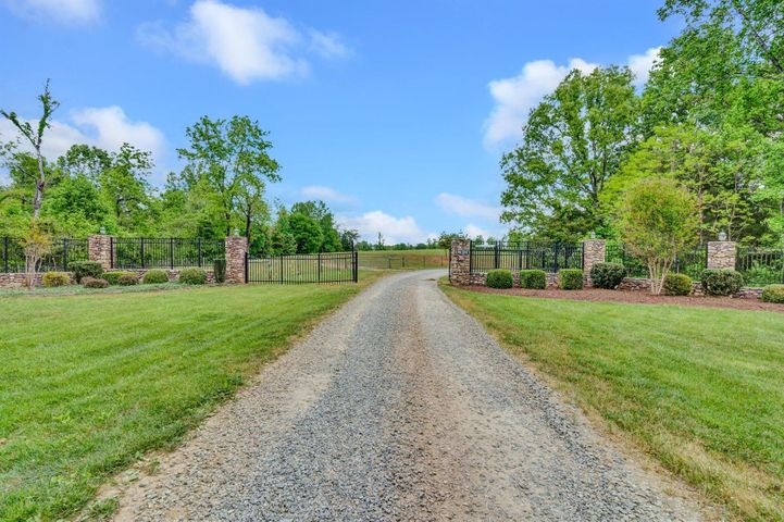 1000 Greenhouse Rd gated entrance