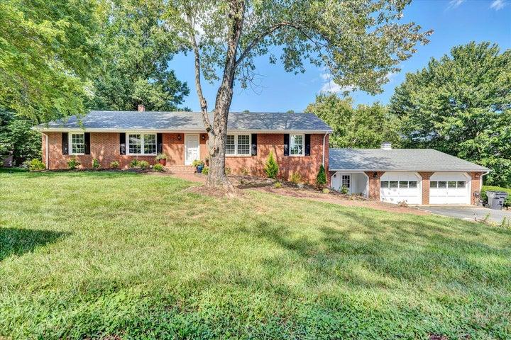 146 S Oakwood RD, Troutville, VA 24175