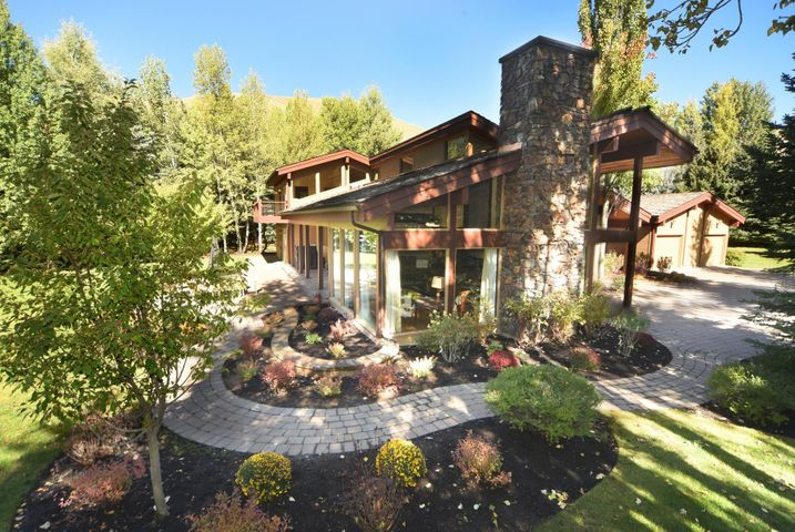 103 Proctor Mountain Rd, Sun Valley, ID 83353