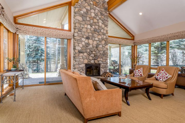 105 Arrowleaf Rd, Sun Valley, ID 83353