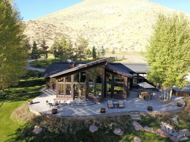 226 Crazy Horse Dr, Hailey, ID 83333