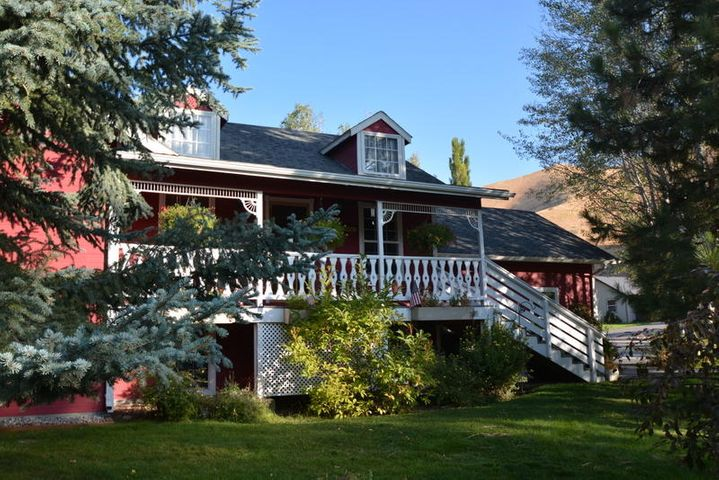 1111 Forest Bend Dr, Hailey, ID 83333