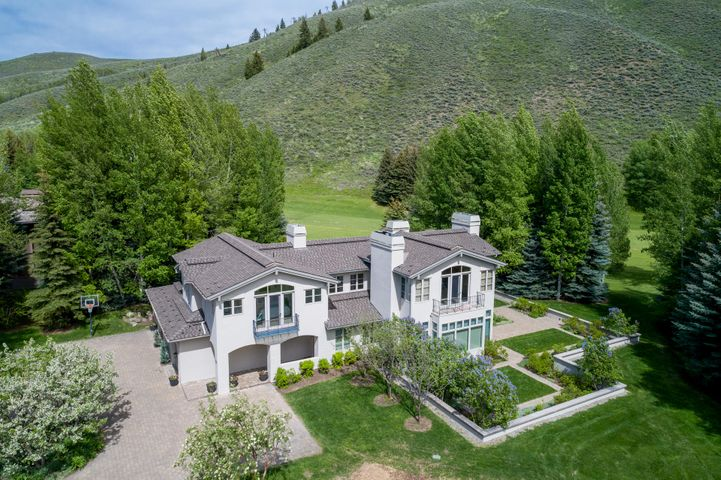 516 Fairway Rd, Sun Valley, ID 83353