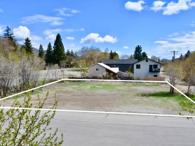 303 S 2nd Ave, Hailey, ID 83333