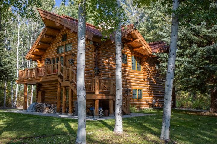 Classic Log Cabin & building site