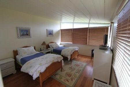 Guest House sleeps 2!