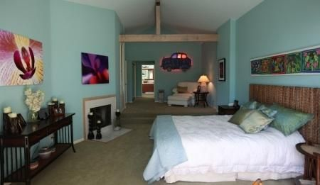 Master Bedroom with fireplace!