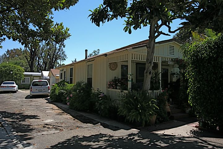 1094 Cramer Rd, A & B, CARPINTERIA, CA 93013