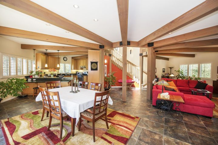Great Room, dining area.