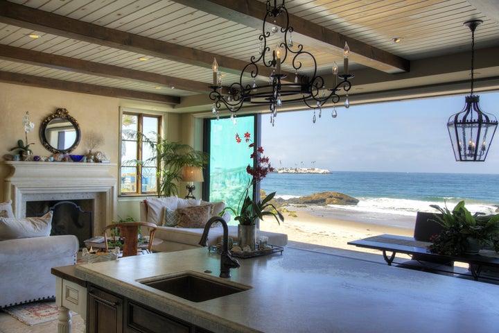 LR - Kitchen