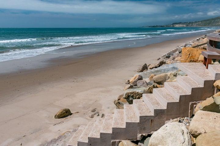 Steps to sand