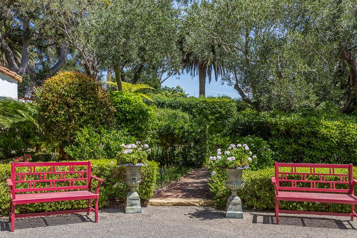 Front Garden Walkway