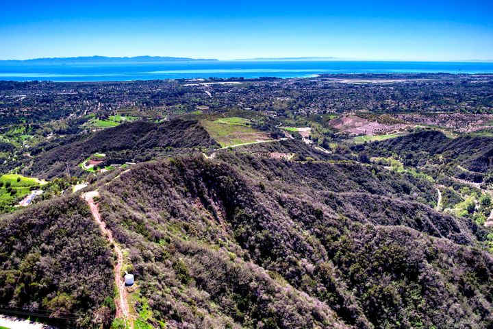 38 Acres of Panoramic Views