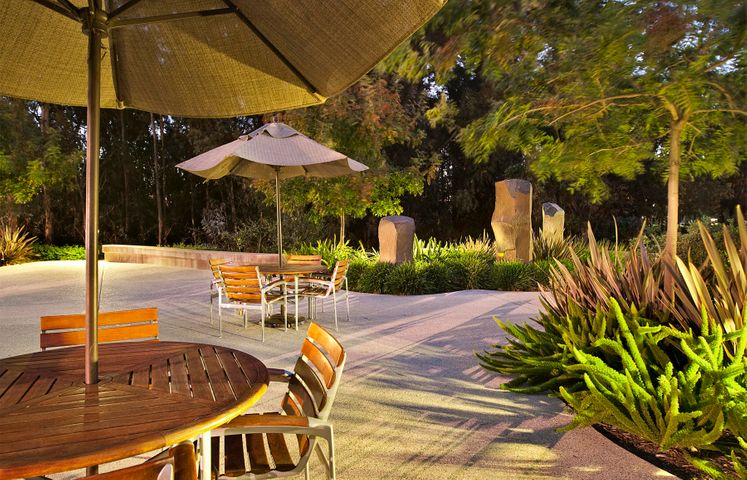 7410 Hollister Ave-OutdoorSeating