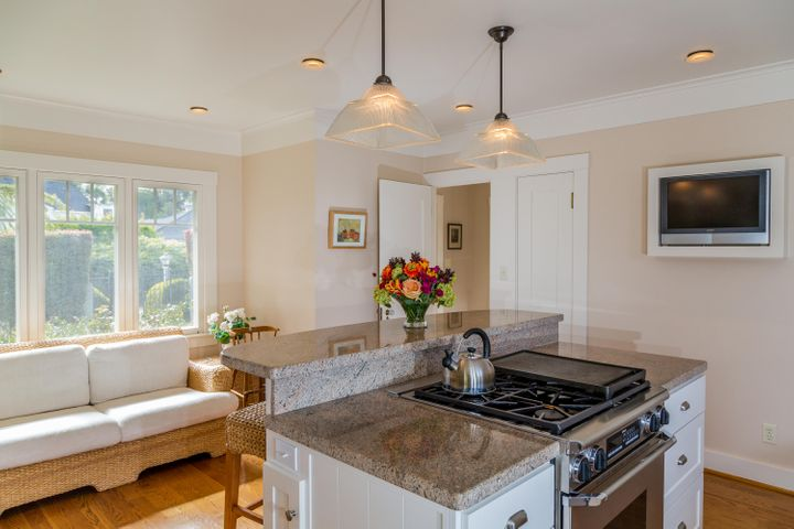 Kitchen with Sitting Area