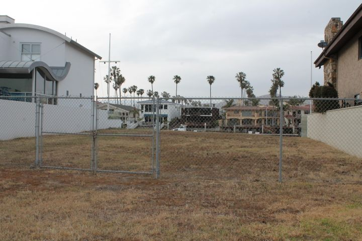 Beachmont Lot from street