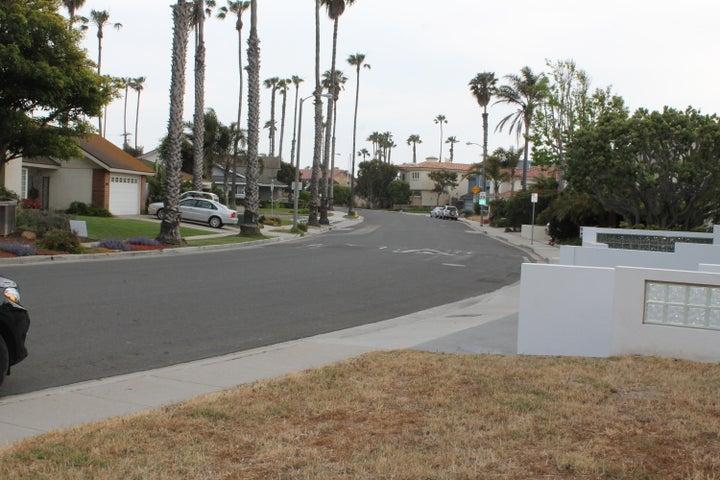 Beachmont Street looking toward Harbor V